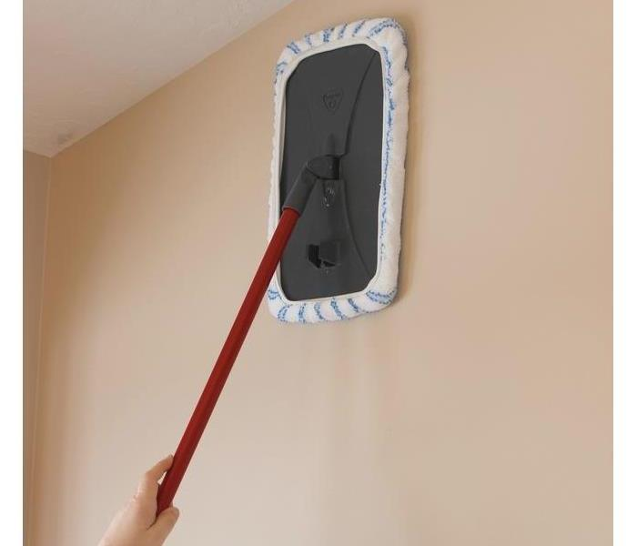 Cleaning Cleaning Walls & Ceilings